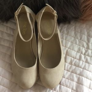 Beautiful nude me too wedges size 9 w/ankle strap